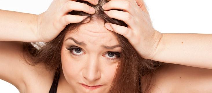 Alopecia femenina por estrés o traumas